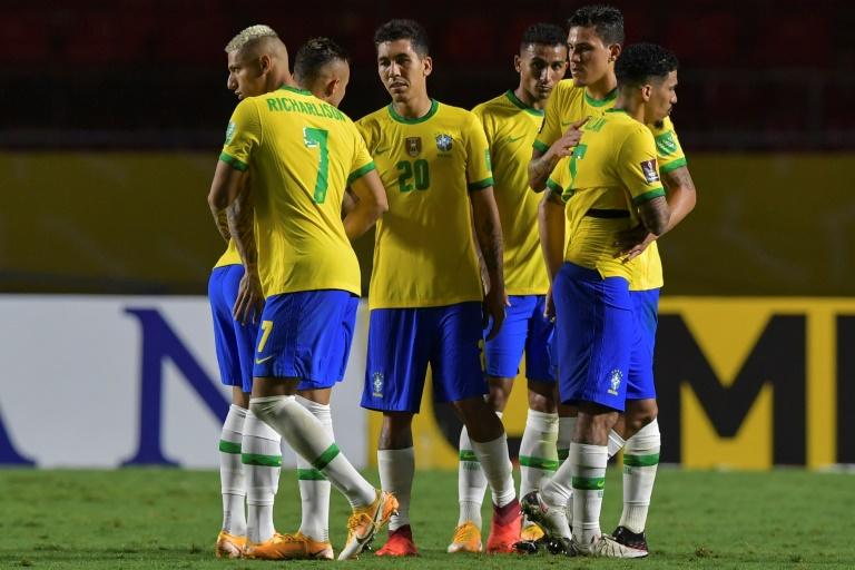 Jogadores da seleção brasileira comemoram na vitória por 1 a 0 sobre a Venezuela no Estádio do Morumbi, em São Paulo, nesta sexta-feira, 13 de novembro de 2020