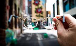 Empatia implica na capacidade de se colocar no lugar do outro, tentar ver o mundo com seus olhos (Unsplash/Josh Calabrese)