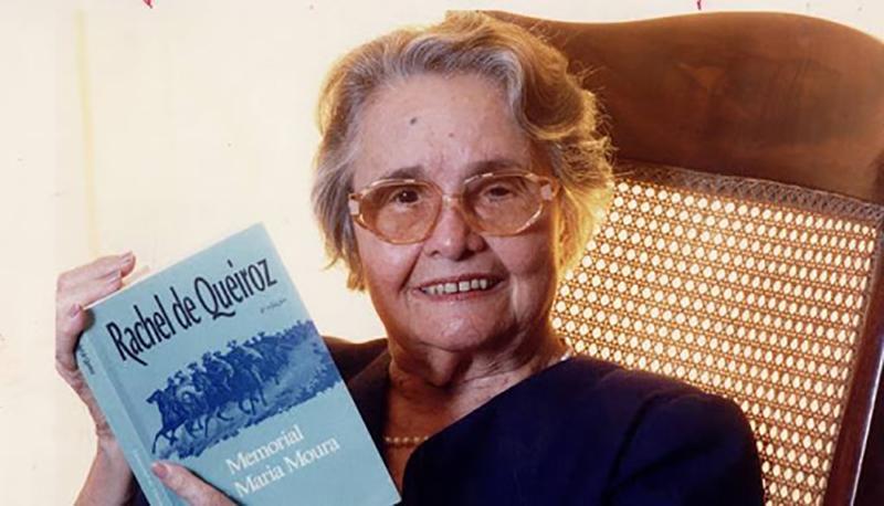 Rachel de Queiroz morreu em 4 de novembro de 2003, pouco antes de completar 92 anos