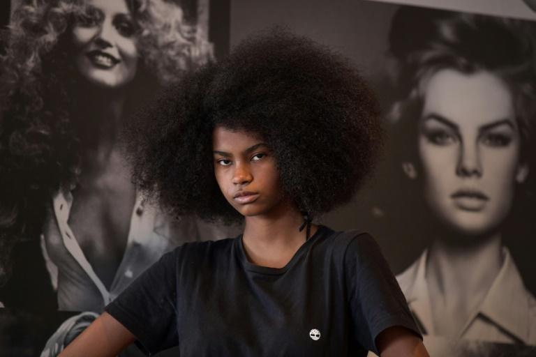 Modelos negras conquistam as passarelas do SPFW