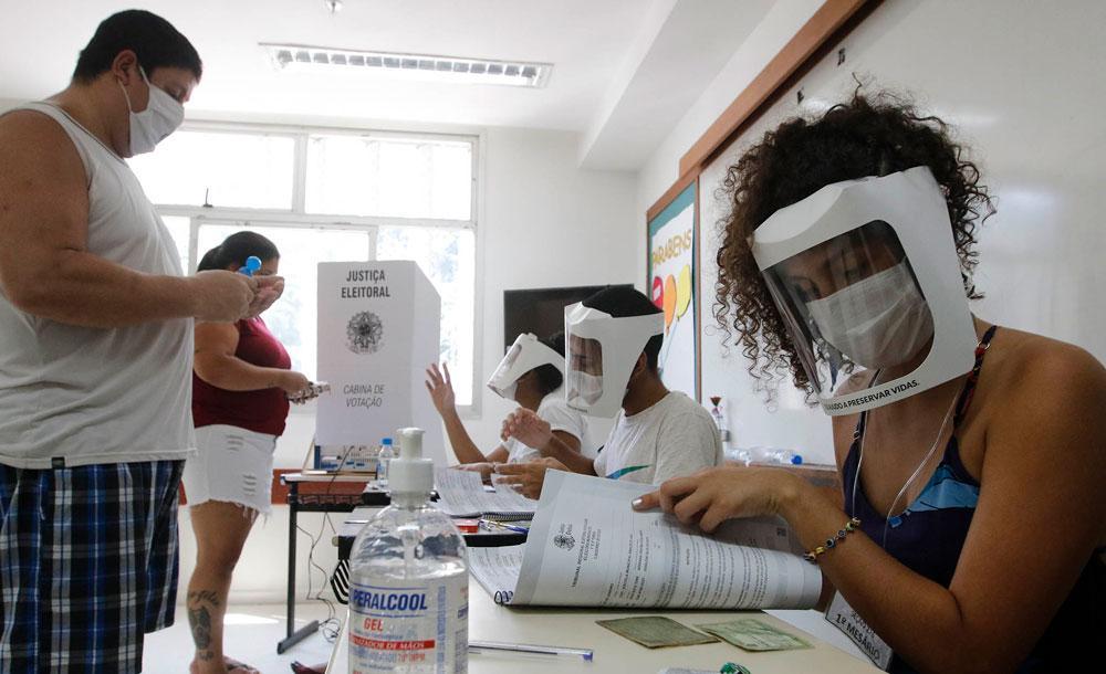 Sala de votação no último dia 15 de novembro: eleição marcada pela pandemia