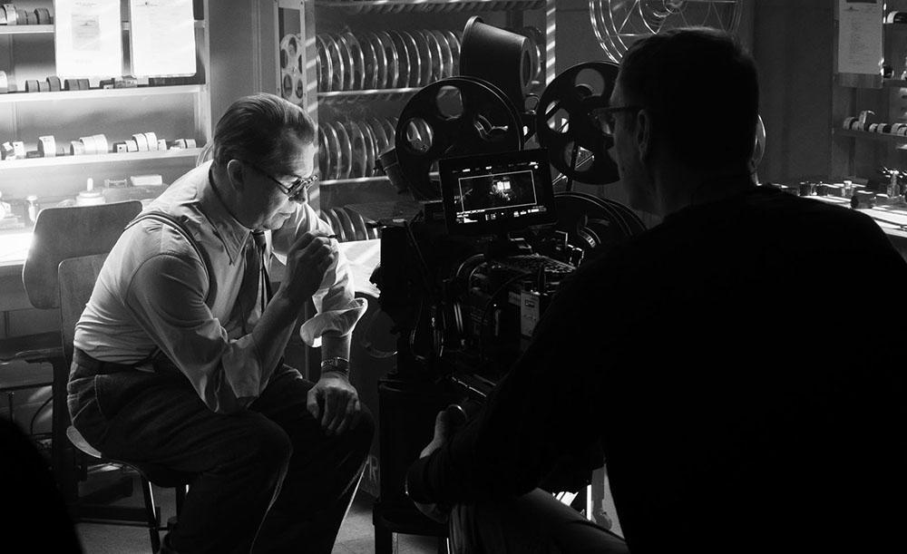Gary Oldman interpreta o roteirista Herman J. Mankiewicz em 'Mank'
