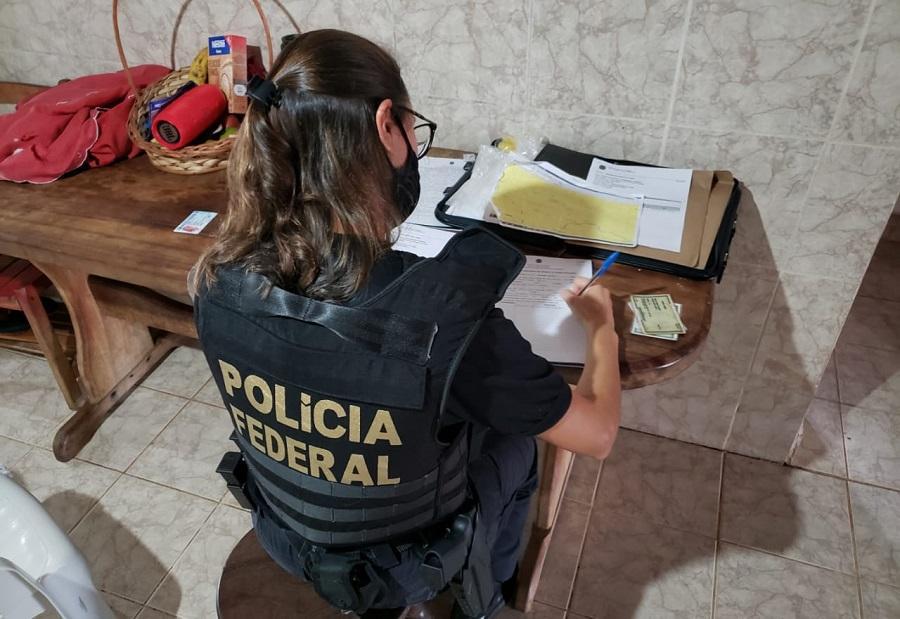 Três mandados de busca e apreensão miraram em garimpeiros e suspeitos de atuar em rede de recrutamento