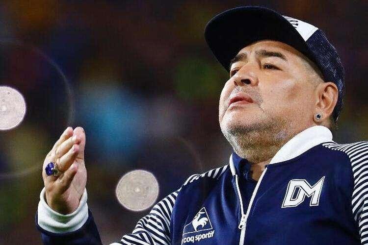 Maradona mandou mensagem para padrasto do filho