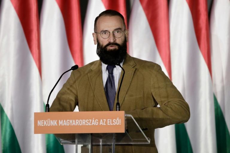 Político húngaro anti-gay,  Jozsef Szajer renunciou após ser pego pela polícia fugindo de uma orgia de 25 homens