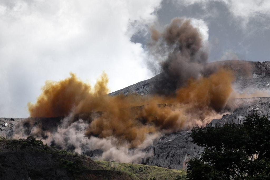 Livro de Isis Medeiros mostra o crime ambiental em Mariana em 71 imagens