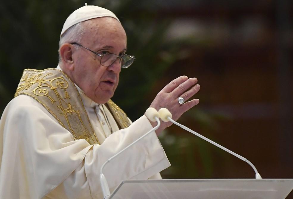 Papa Francisco dá sua mensagem natalina: cuidar dos próximos