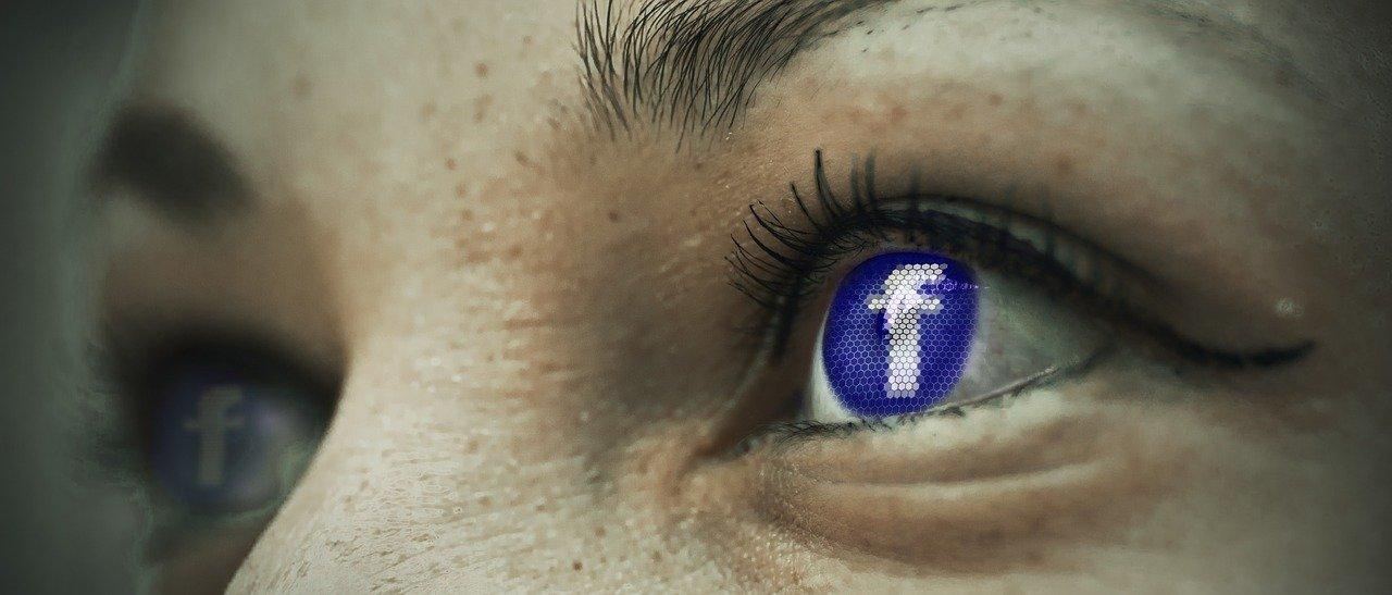 QAnon, grupo ligado a teoria da conspiração, está cada vez mais presente no Facebook, inclusive no Brasil