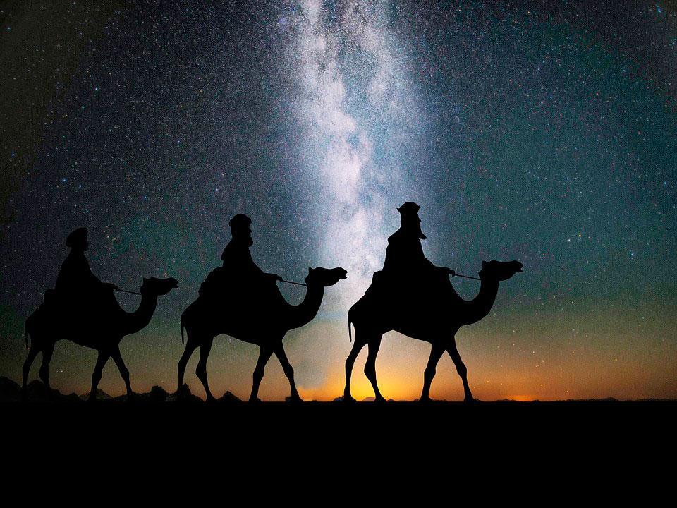 Se no Natal temos o 'acendimento' do Menino Luz, na Epifania encontramos sua manifestação esplendorosa ao mundo