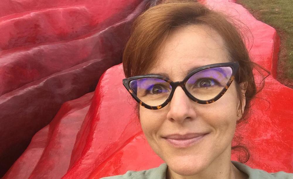 Criadora da 'vulva gigante', Juliana Notari diz que se assustou com a repercussão da escultura,  mas que debates são importantes para 'as feridas' da história brasileira