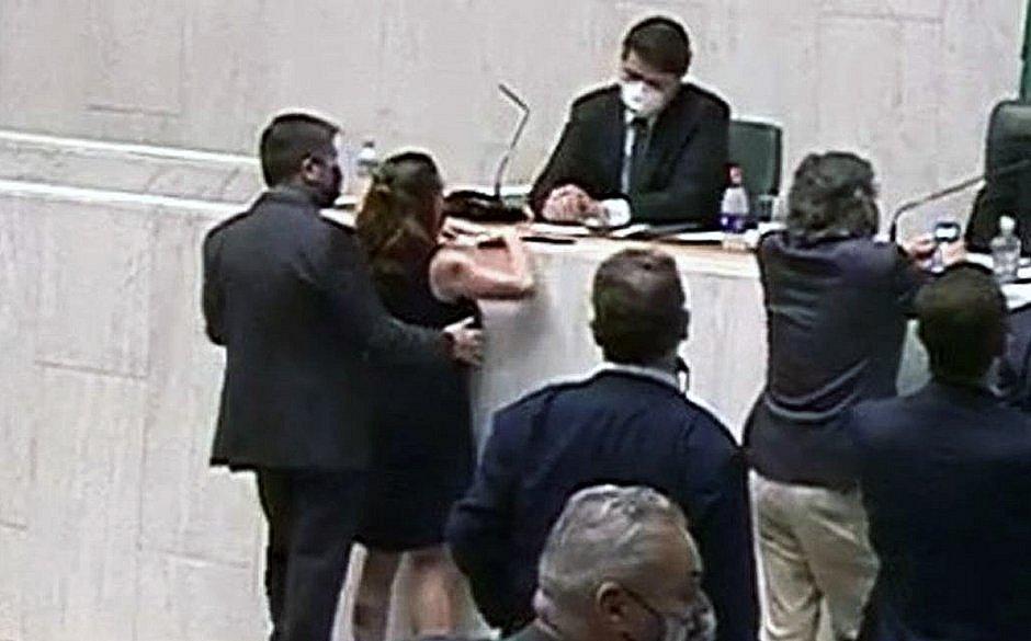 A decisão final sobre expulsá-lo ou não agora cabe ao diretório nacional do partido