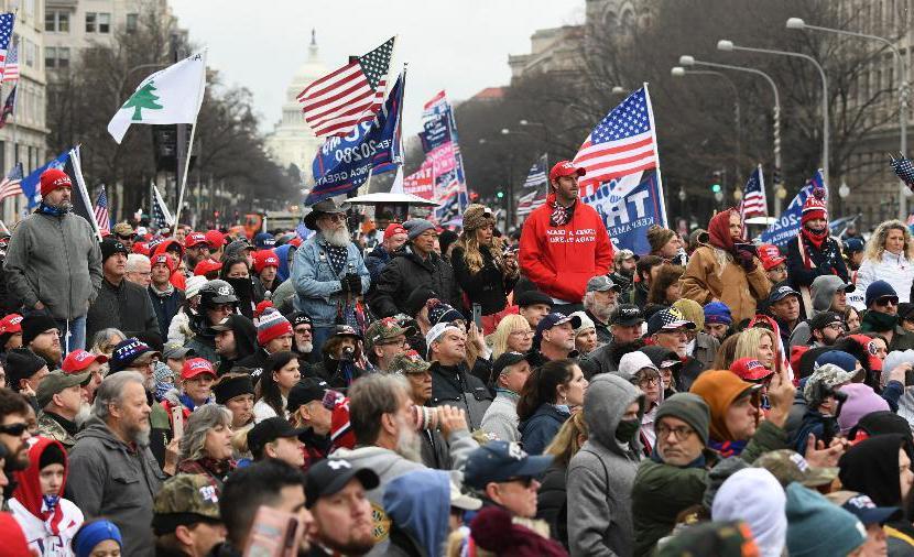 Em fóruns e sites pró-Trump, manifestantes prometem 'liberar o país sem piedade' e 'não deixar os comunistas vencerem'