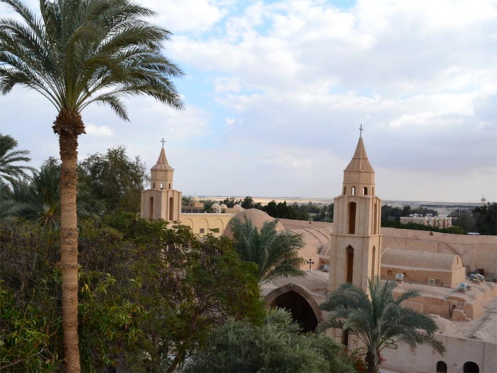 O complexo monástico de Wadi El Natrun, nos arredores do Cairo, é um dos 25 pontos de passagem do 'Caminho da Sagrada Família'