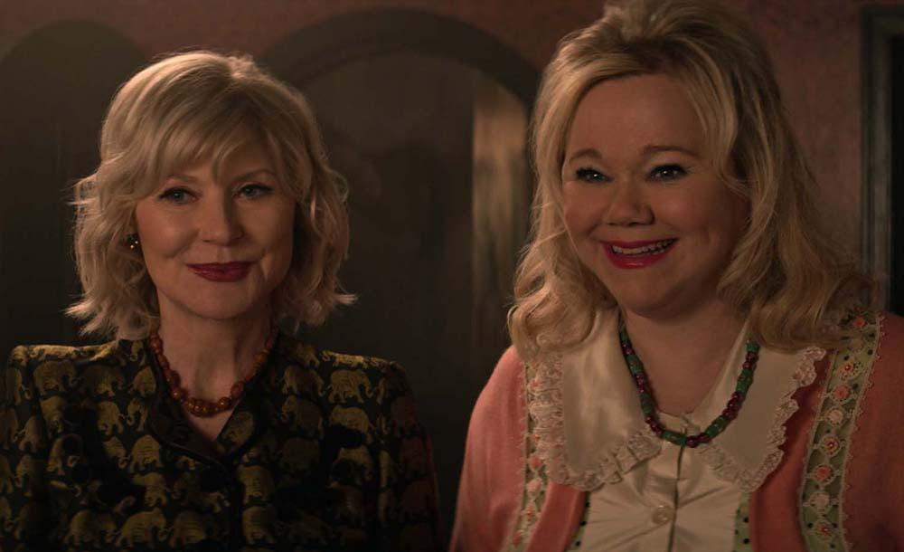 A produção convidou para uma participação especial as atrizes Beth Broderick e Caroline Rhea, conhecidas por interpretar a dupla de tias de Sabrina, Zelda e Hilda