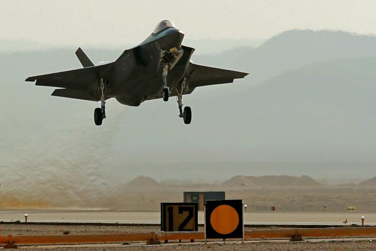 Um avião israelense em exercícios de defesa na base militar Ovda, no sul de Israel