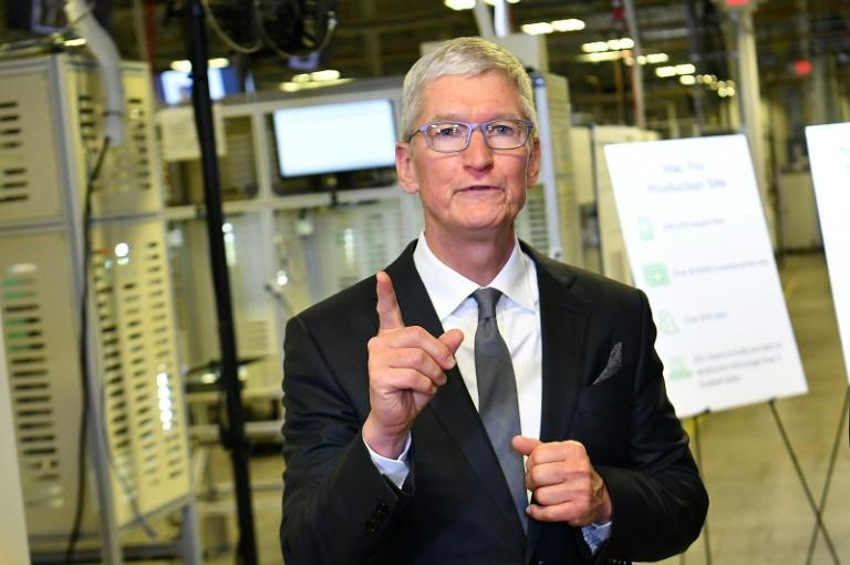 O CEO da Apple, Tim Cook, anunciou o financiamento de programas de educação como parte das iniciativas de igualdade racial da empresa
