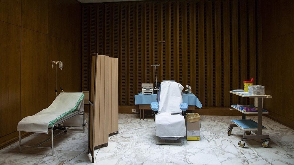 Adaptação na Sala Paulo XVI para vacinação
