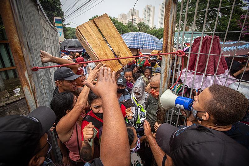 A Ceagesp deu apoio institucional ao protesto, realizado pelos vendedores que trabalham no entreposto