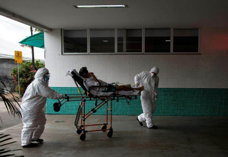 Paciente chega a um hospital de Manaus em 14 de janeiro de 2021