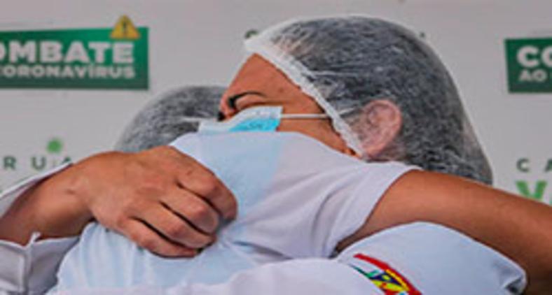Comemoração no início da vacinação em Caruaru (Prefeitura de Caruaru)