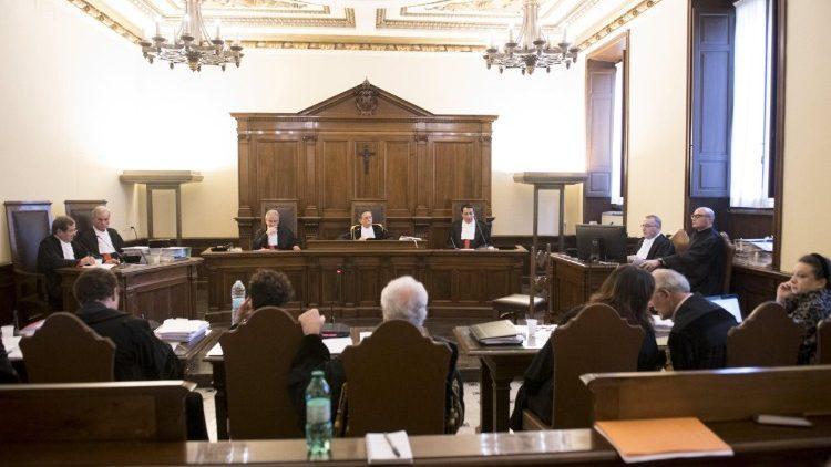 Sala do Tribunal Vaticano