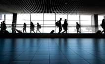 Aeronave da companhia aérea portuguesa TAP se prepara para taxear no aeroporto Humberto Delgado, em Lisboa (Patricia de Melo Moreira/AFP)