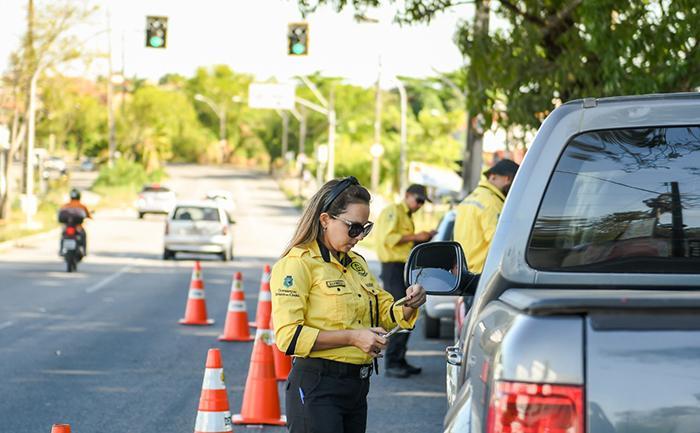 O fundamento da lei de 2008 enquadra-se na política de trânsito e na garantia de segurança da população nas rodovias federais