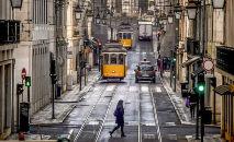As medidas adotadas pelo governo foram rígidas: desde 15 de janeiro ninguém mais podia sair de casa em Portugal sem um motivo especial (Patricia de Melo Moreira/AFP)