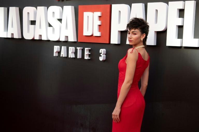 A atriz espanhola Úrsula Corberó, da série