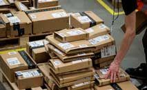 Volume de vendas aumentou em setores específicos, segundo relatório (Chris J Ratcliffe/AFP)