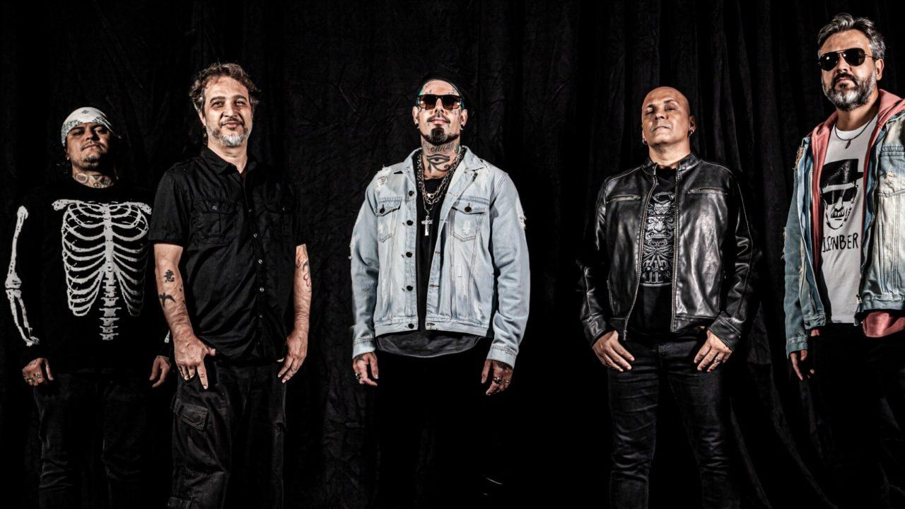 Tico Santa Cruz acredita que para 'o rock sobreviver, ele tem que se posicionar'