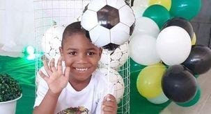 'As imagens das câmeras não deixam dúvidas de que a acusada deixou a criança ao léu' (Reprodução redes sociais)