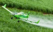 Vários pesticidas foram encontrados em áreas bem distantes do suposto local de origem (Cenipa/Divulgação)