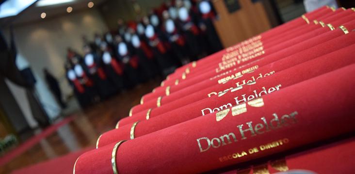 Assista às cerimônias dos formandos do segundo semestre de 2020 da Dom Helder.