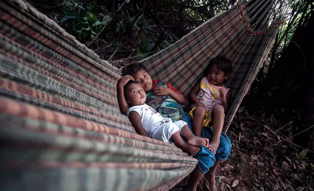 Índios munduruku em suas terras que ficam a cerca de 40 minutos a pé do Rio Tapajós em Itaituba, no Pará