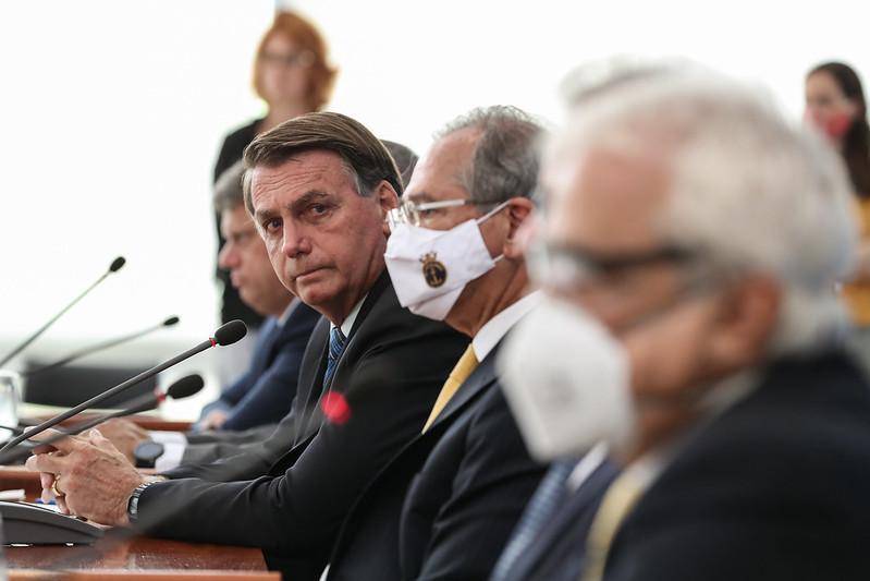 Bolsonaro ainda jogou a culpa pela disparada dos preços nos governadores