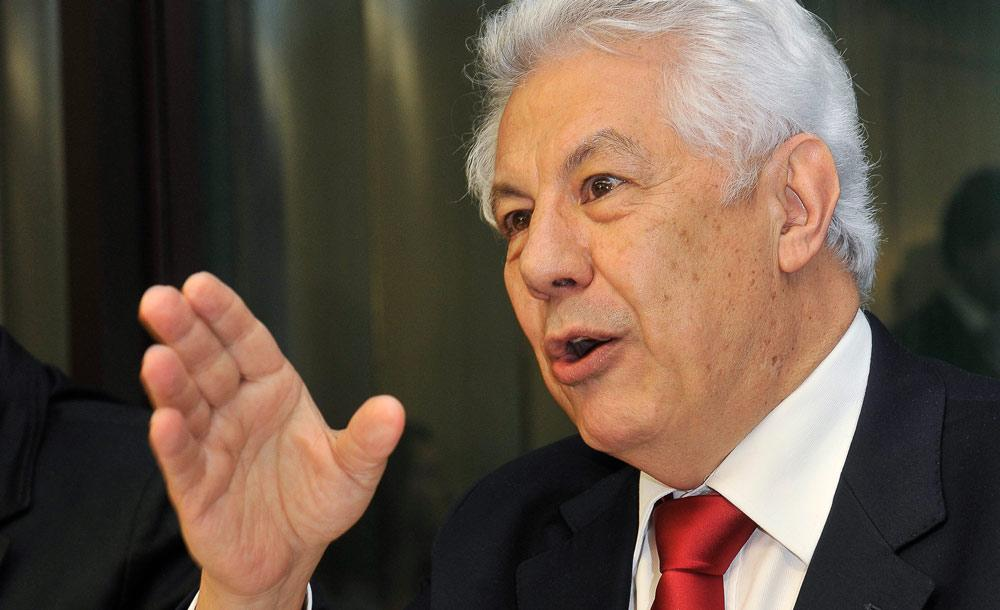 O deputado petista Arlindo Chinaglia é o nome cotado para assumir a comissão