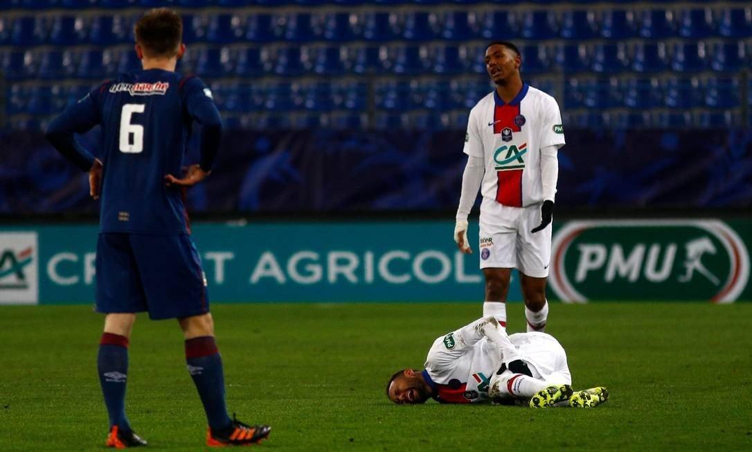 Neymar está fora de combate mais uma vez por contusão