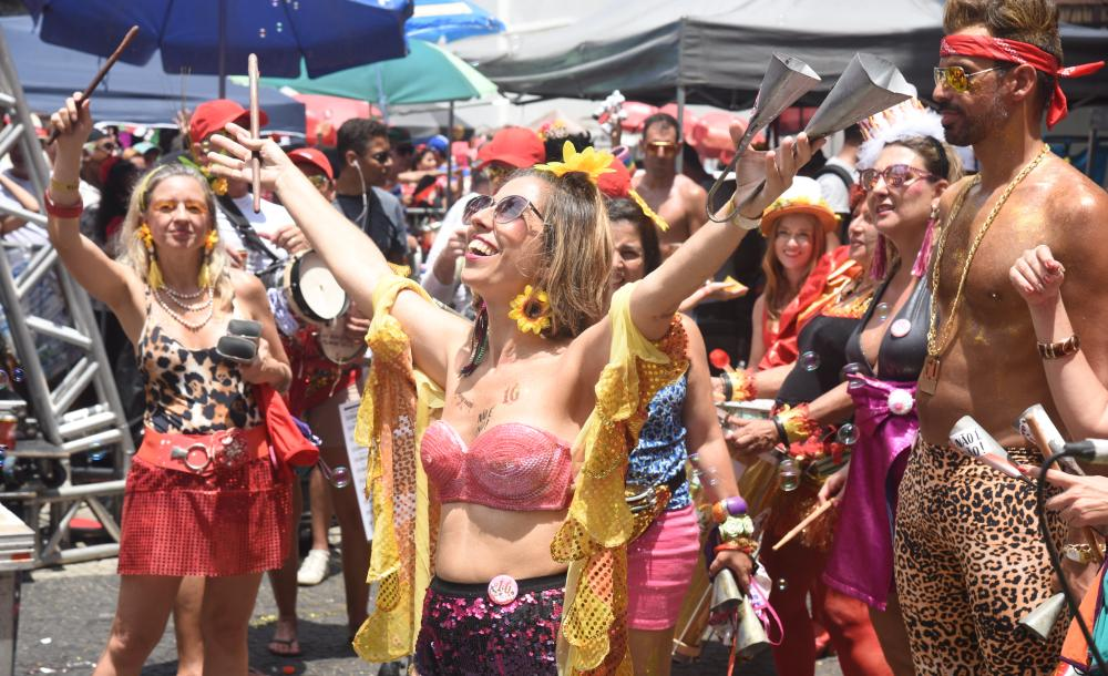 Com base no monitoramento, que já está em curso, a prefeitura notificou plataformas de venda de ingressos que comercializavam entradas para festas irregulares de carnaval