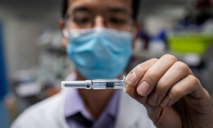 Dados sobre a vacinação brasileira são incertos pois, segundo a  Bloomberg, o governo federal não fornece estatísticas