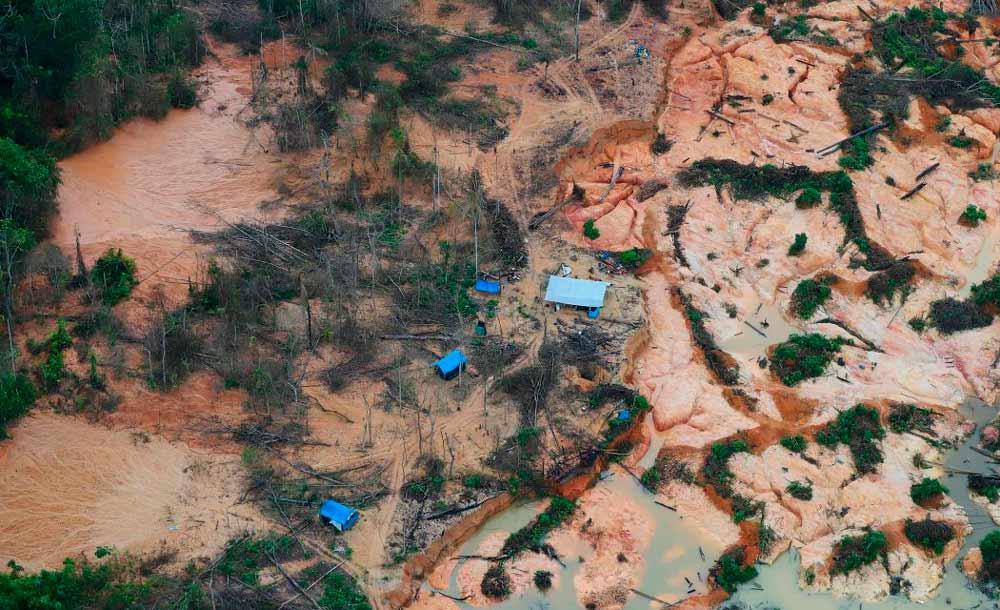 Garimpo ilegal na terra indígena yanomami: conflitos e contaminação por Covid-19
