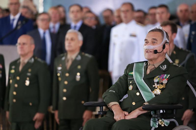 Ex-comandante do Exército Eduardo Villas Bôas ironiza ministro do STF
