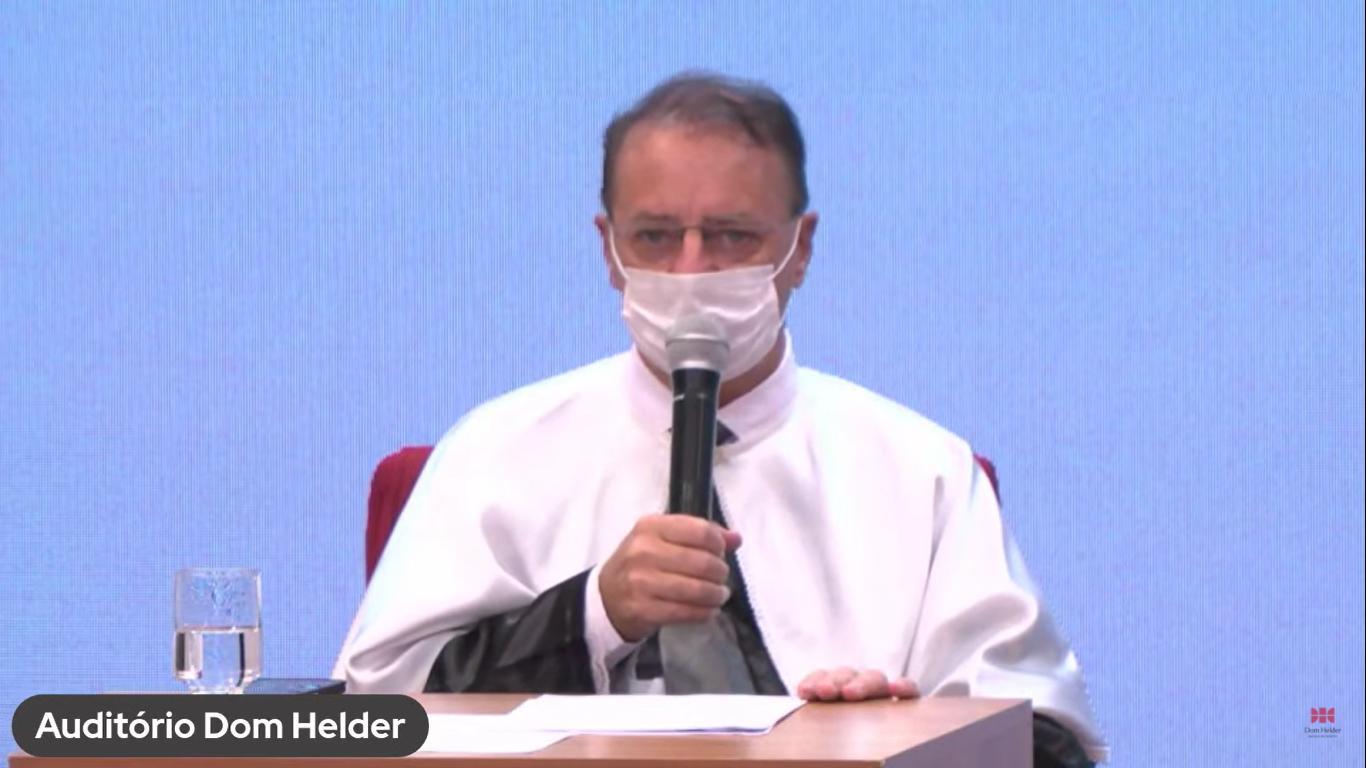 Paulo Umberto Stumpf, reitor da Dom Helder Escola de Direito.