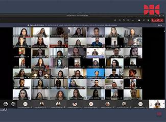 Funcionária e professores homenageados pelos formandos do Direito Integral. (Necom Dom Helder e EMGE)