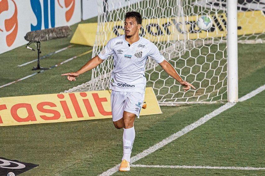 O gol da noite de futebol na Baixada Santista foi marcado pelo atacante Marcos Leonardo