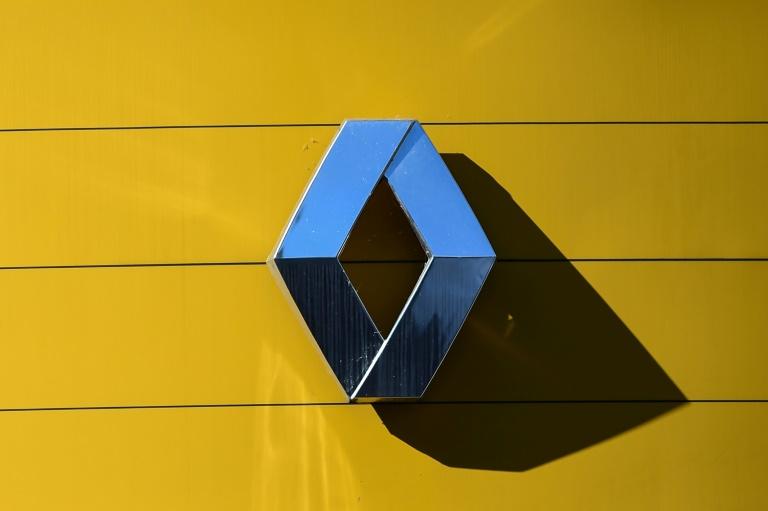 A montadora francesa Renault registrou um prejuízo histórico de 8 bilhões de euros (9,6 bilhões de dólares) em 2020