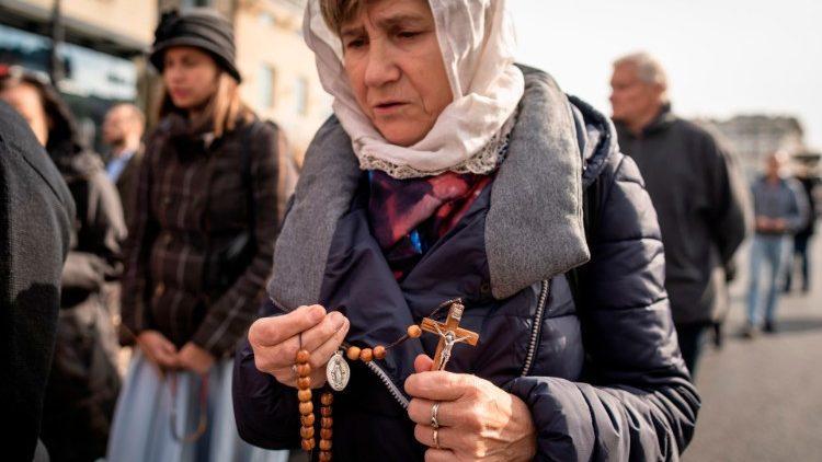 A iniciativa da Igreja na Polônia é uma resposta aos pedidos do papa Francisco em relação a este drama