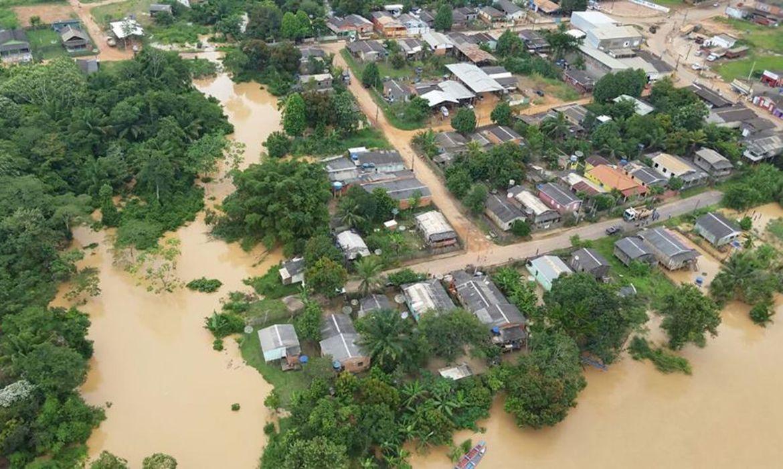 Em Rio Branco, o último balanço do governo estadual a partir das informações da defesa civil do município contabilizava 2,7 mil famílias atingidas, sendo 75 desabrigadas e 129 desalojadas