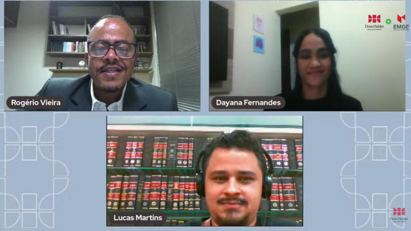 Rogério Vieira e os representantes de TI, Dayana Fernandes, e da Biblioteca, Lucas Martins