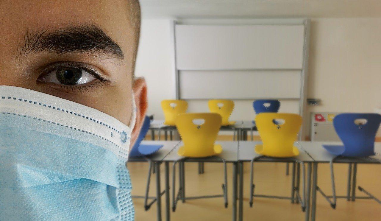 Retorno das aulas presenciais se tornou um dilema no Brasil